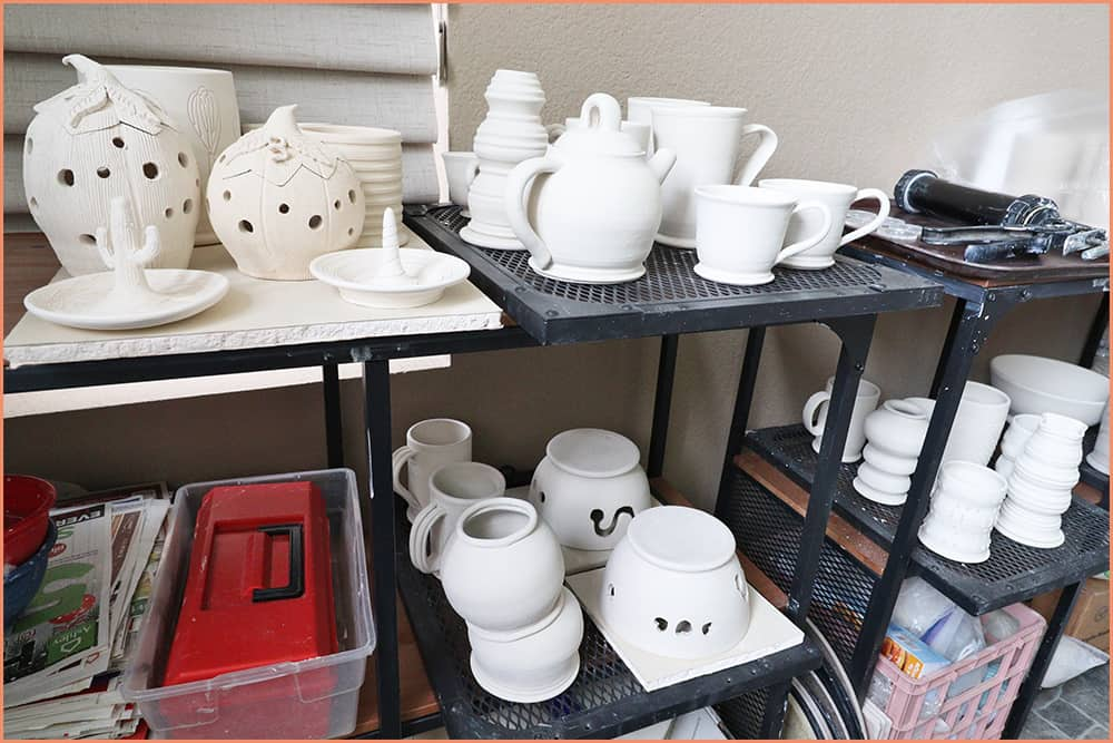 pottery-shelves