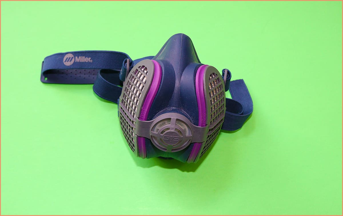 a picture of a dust mask
