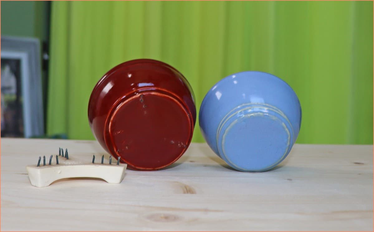 a picture of two bowls glazed on the bottom
