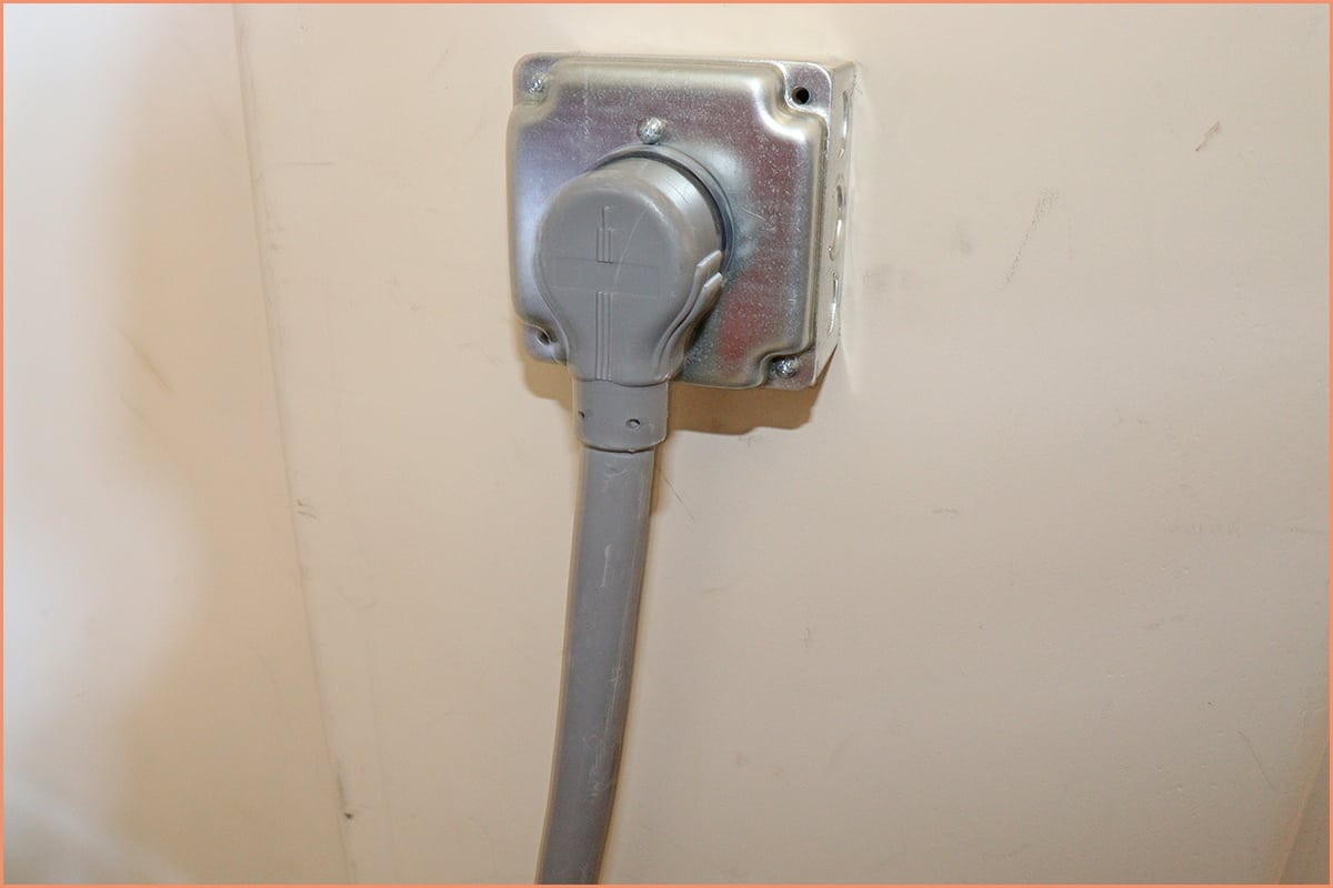 a picture of a kiln plug