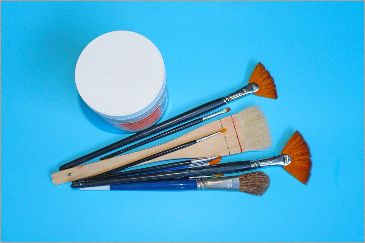 a picture of brushes
