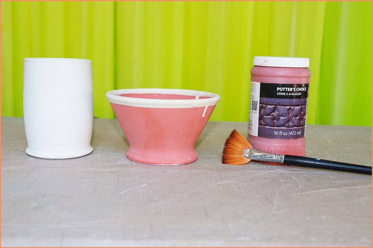picyure of glazed pottery